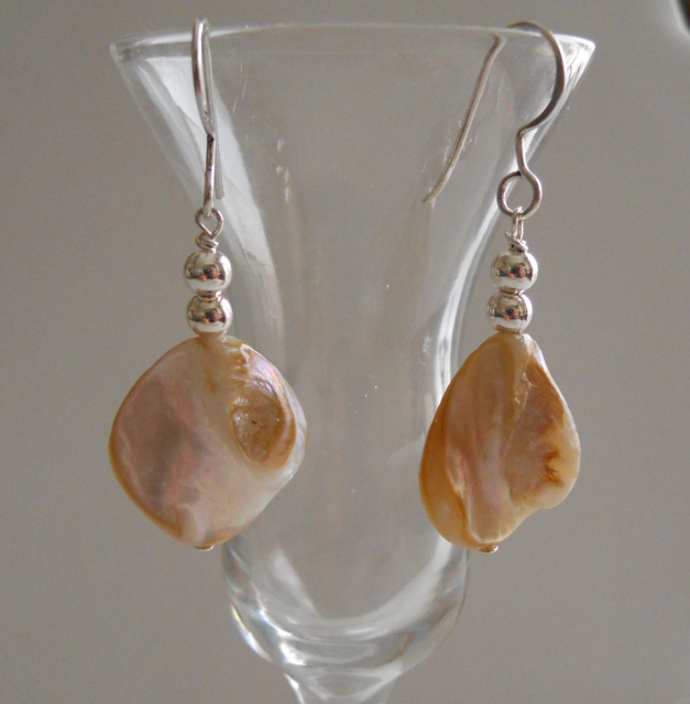 Natural Shell Earrings CSS105E