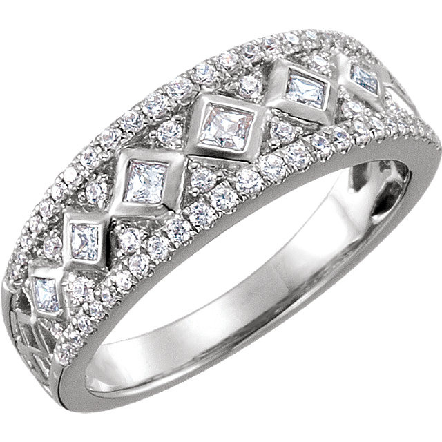14 KT White 1/2 CTW Diamond Anniversary Band